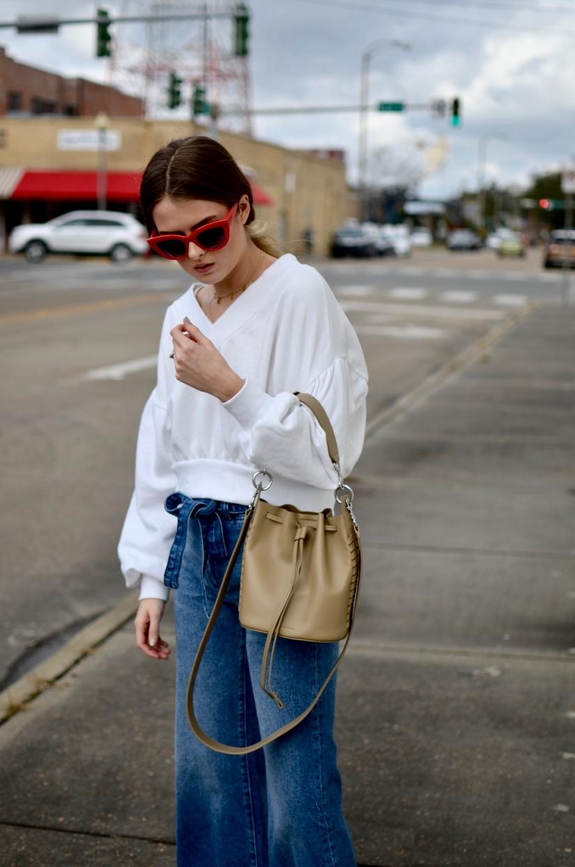 Sweatshirt & Jeans